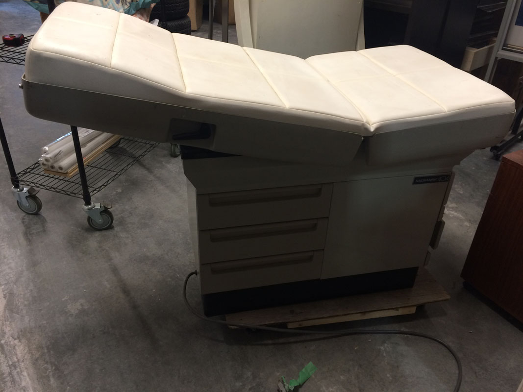 Exam table 01 Image