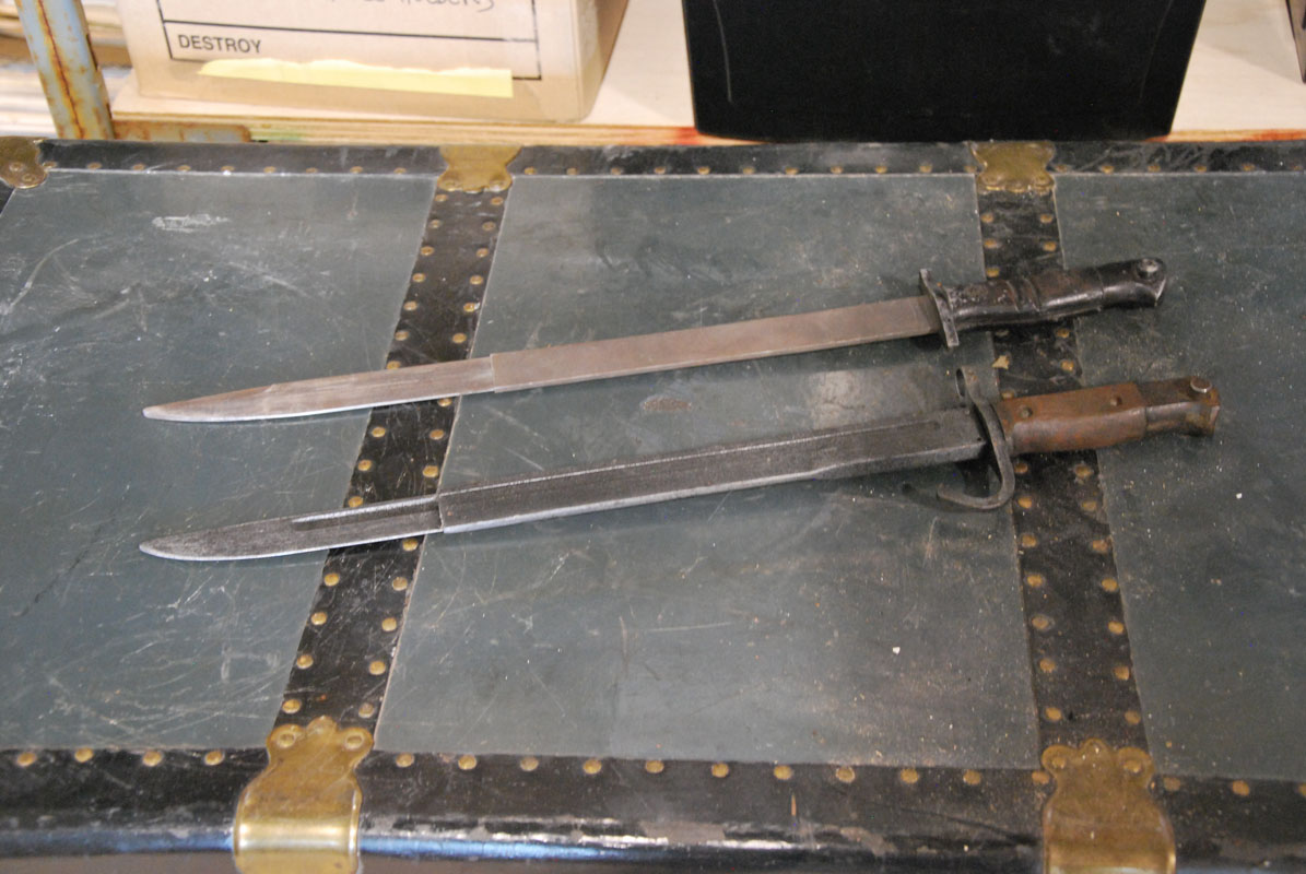 Bayonet (collapsible) 03 Image
