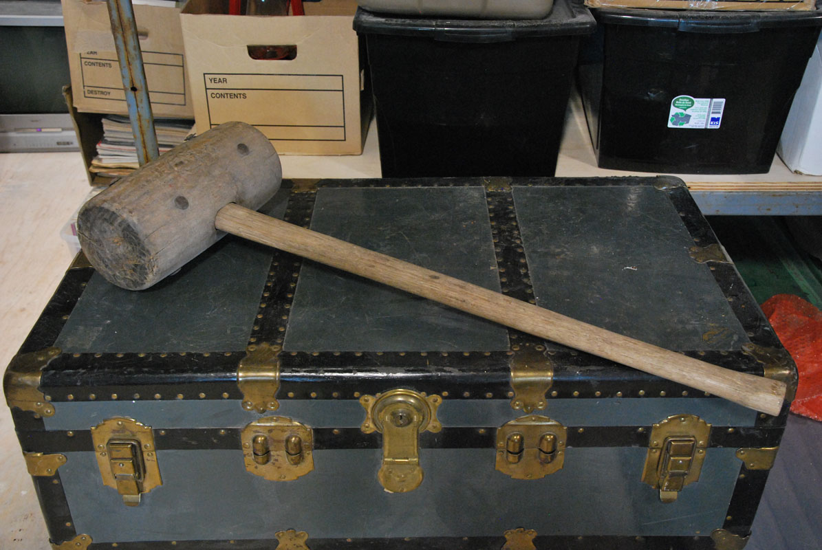 Wooden mallet 01 Image