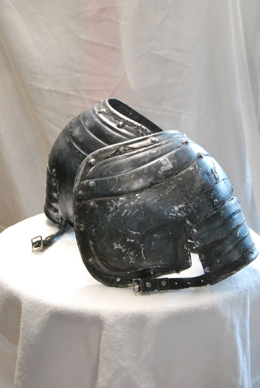 Shoulder cover (Pauldron) 02 Image