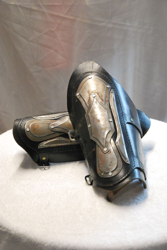 Forearm cover (Vambrace) 02 Image