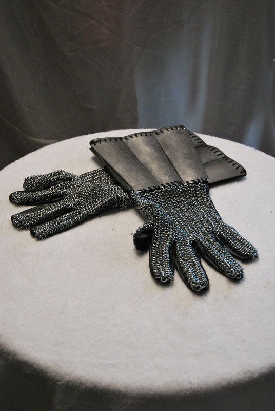 Gloves (Gauntlets) 05 Image