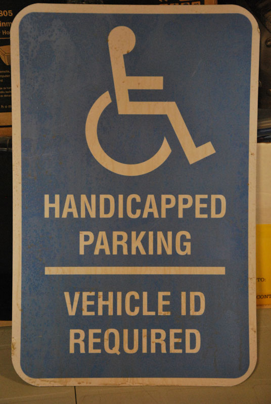 Handicapped parking sign Image