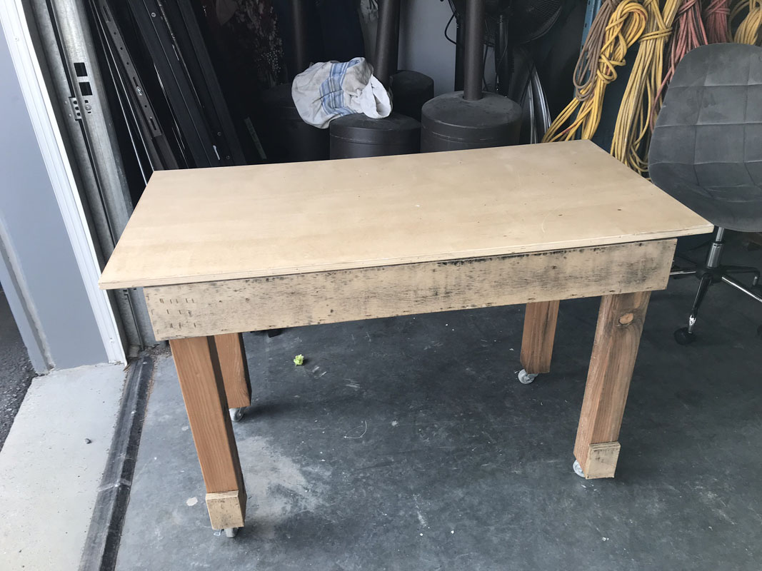 Rolling work area w/removable top (internal storage) Image